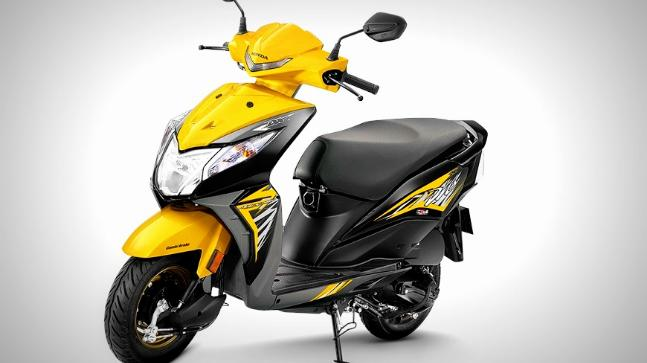 Honda launches Dio motoscooter Deluxe, gets digital console and mobile charging feature