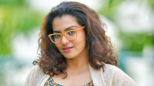 Actress Parvathy Gets A New Makeover Rocks The Side Buzz Cut