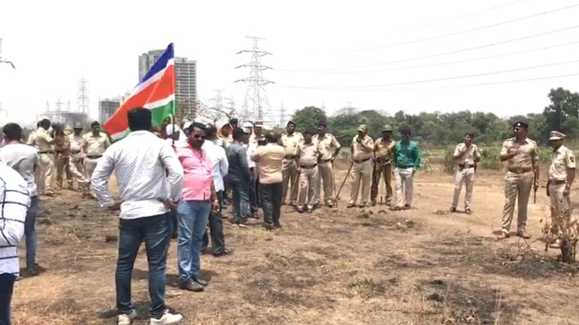 Maharashtra Navnirman Sena (MNS) worker halt Bullet train work