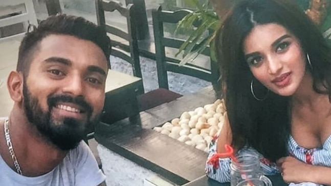 KL Rahul Spotted With Bollywood Actress Nidhhi Agerwal in Mumbai