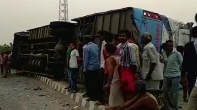 17 dead after tourist bus overturns in UP's Mainpuri