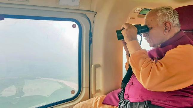 Manohar Lal Khattar conducts aerial survey