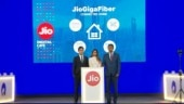 JioGigaFiber wired internet launched by Mukesh Ambani, will be available in 1100 Indian cities after August 15