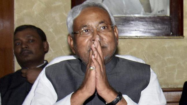 Nitish Kumar to ease Bihar liquor law