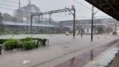 Mumbai rains: Waterlogging leads to traffic chaos, schools and colleges shut
