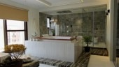 The 1,200 sq ft bathroom in Penthouse Pafekuto, Ghaziabad