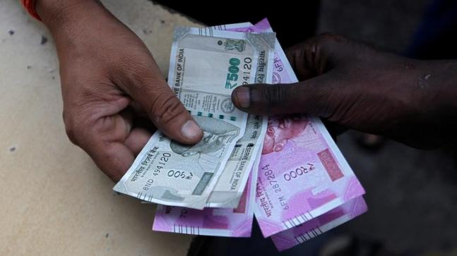 Govt rubbishes report that Indian currency is 'Made in China'