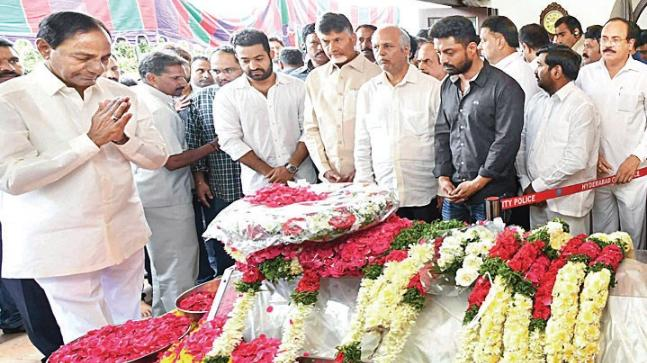 CM K Chandrashekar Rao also paid his tributes to Harikrishna at his residence in Hyderabad