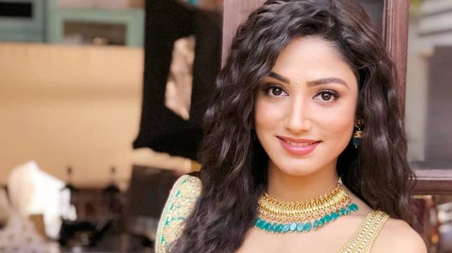 Actress Donal Bisht meets with an accident on the sets of