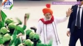 PM Modi stops his convoy to greet children at Red Fort