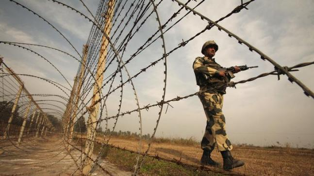 BSF jawan's could only be retrieved from a spot ahead of the Indo-Pak fence after over six hours. (File photo: Reuters)