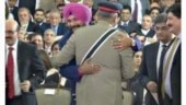 Sidhu hugs Pakistan Army chief