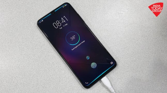 Vivo V11 Pro's dual engine fast charger is so good that