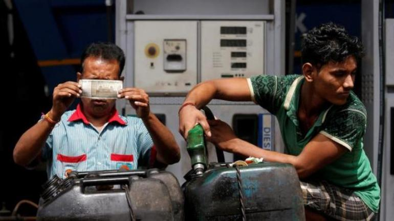 Fuel price hike: Petrol, diesel touch new heights