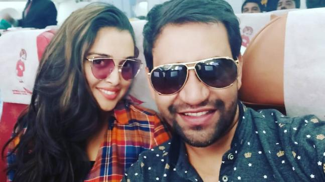 dinesh lal yadav wife name and photo leaked