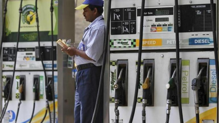 Maharashtra govt to cut diesel prices by Rs 1.56 per litre