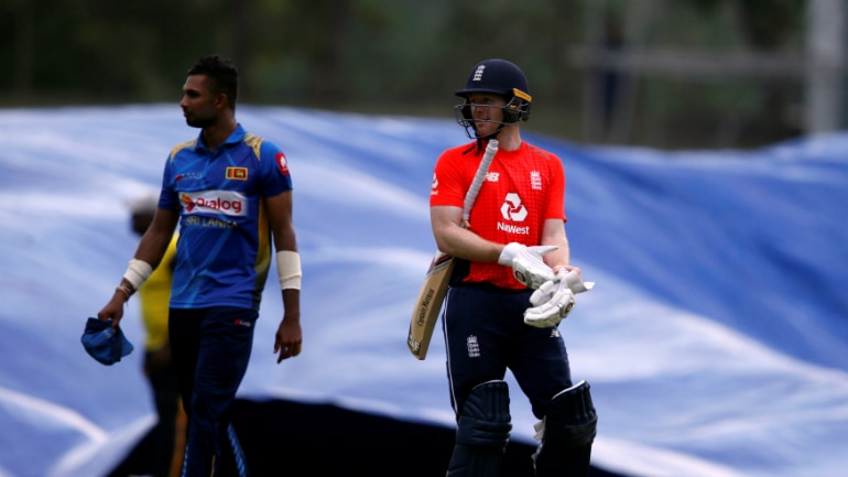England made a bright start to the game before rain forced the umpires to stop proceedings in Dambulla