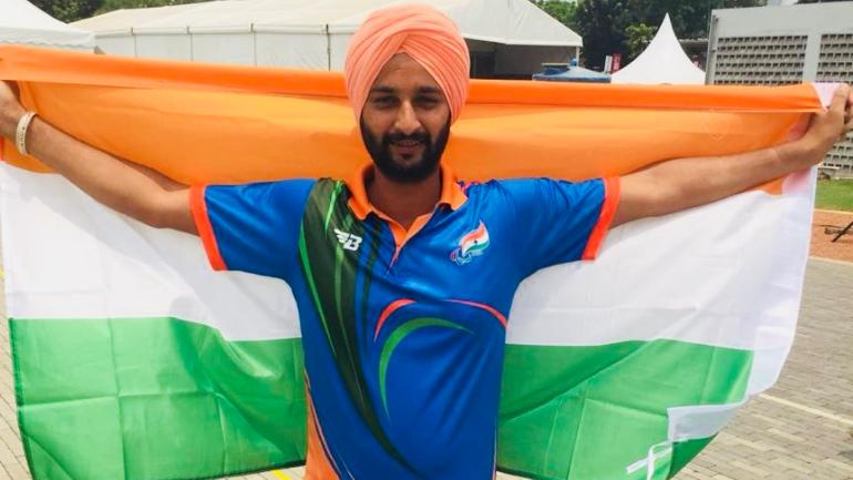 Harvinder Singh defeated China's Zhao Lixue 6-0 in the W2/ST category final