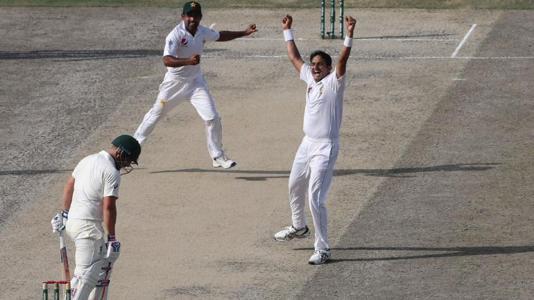 Mohammad Abbas took three wickets in two overs to peg Australia back in their chase of 462