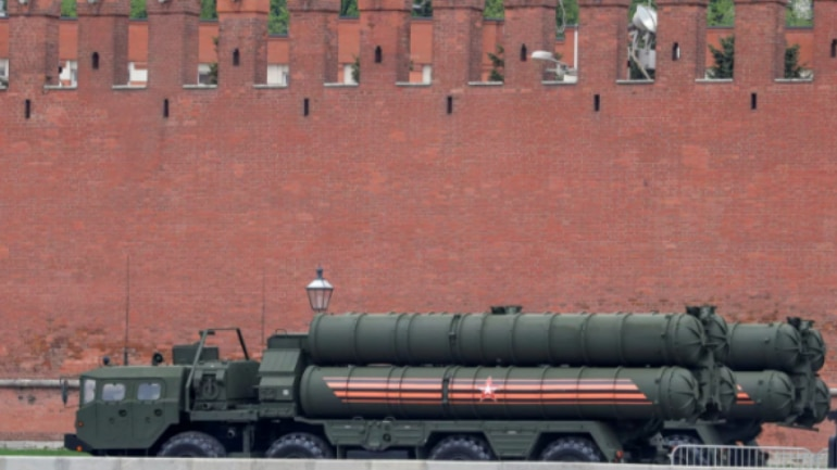 The long and medium range air defense missile system is designed to destroy air attacks