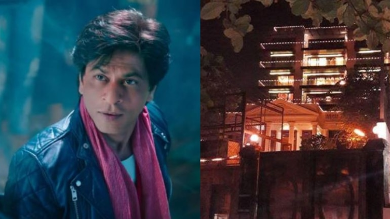 SRK greets hundreds of fans outside Mannat on 53rd birthday