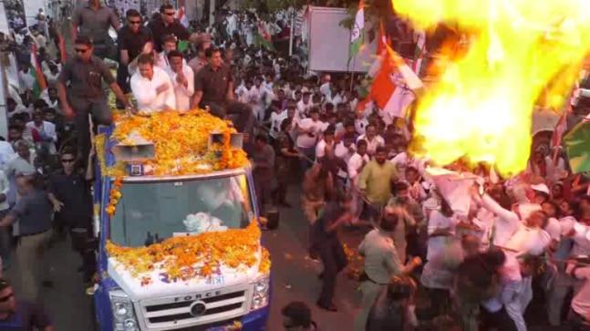 Watch: Rahul Gandhi narrowly escapes fire at Jabalpur roadshow