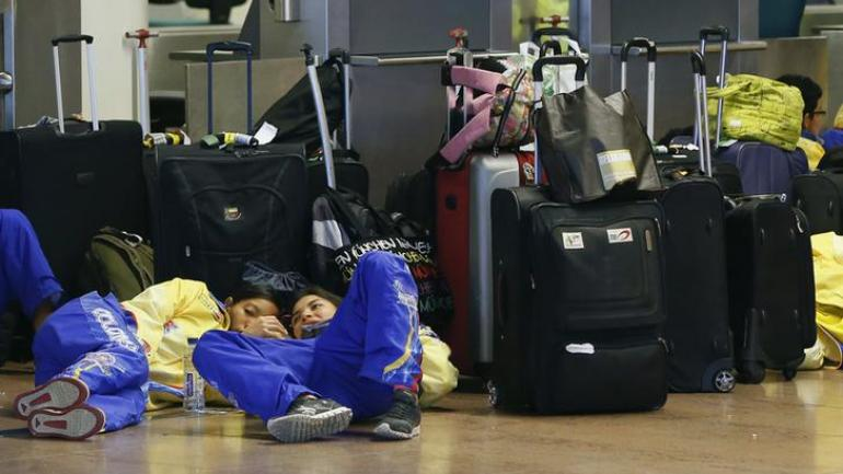 A baggage handler fell asleep in hold. Photo: Reuters