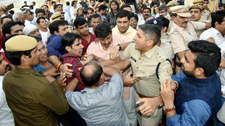 Manoj Tiwari scuffle