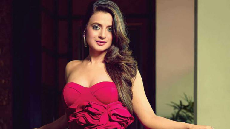 Ameesha Patel Posts Photo In See Through T Shirt Trolls Call Her