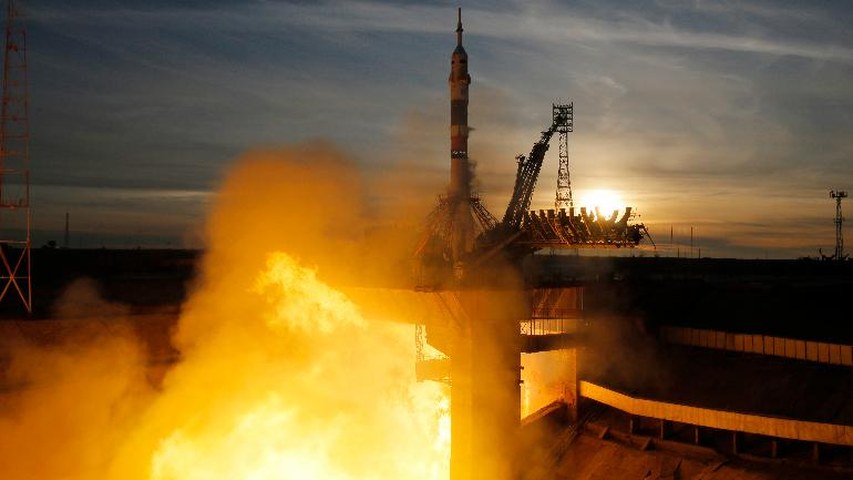 3 astronauts reach ISS 8 hours late, so it's not just Indians who are not on time