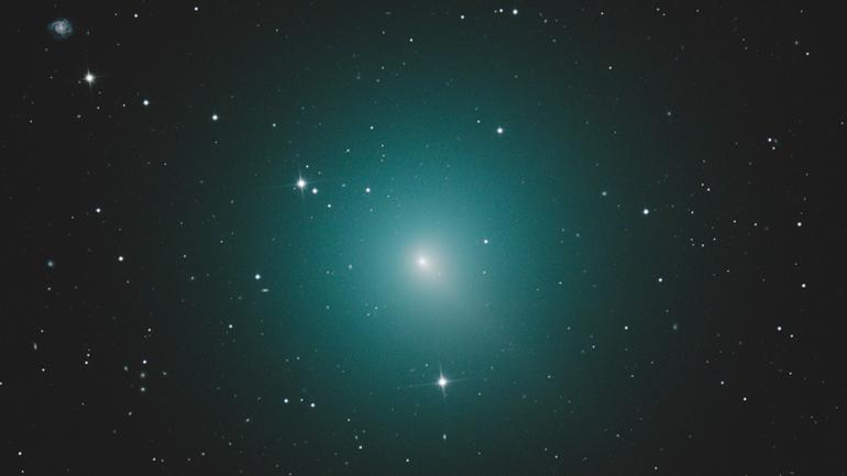 'Christmas comet' - the year's brightest - to pass by Earth this weekend