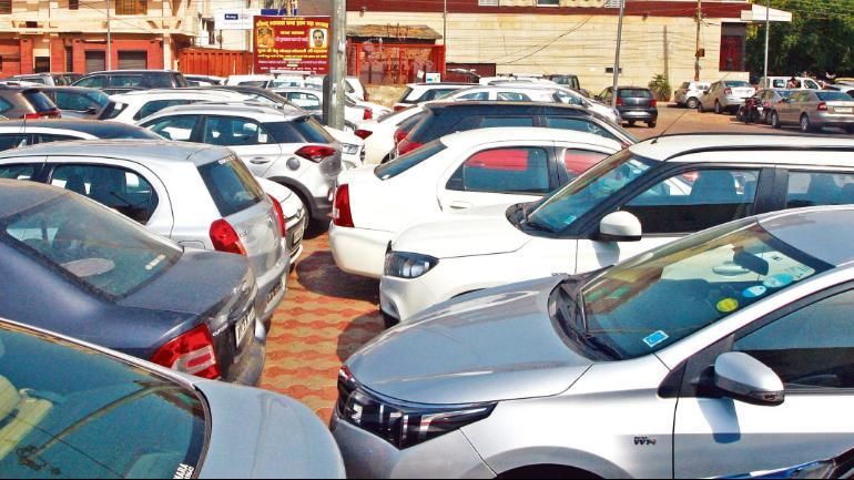 Displeased by the government order, transporters in the city threatened to stage a protest against the hike.