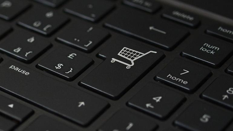 Govt toughens norms for e-commerce firms, bars exclusive deals