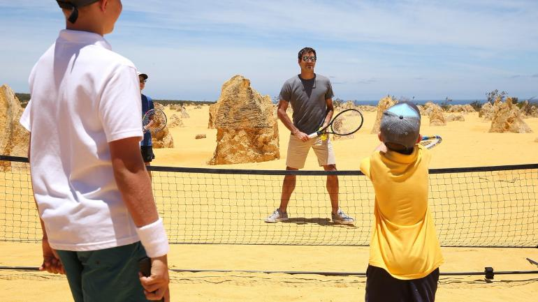 Roger Federer Warms Up For Australian Open With Some Tennis On The