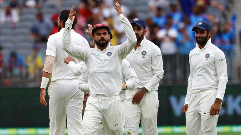 Australia battle in Perth to build lead of 175 over India