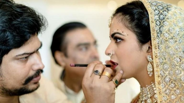 Isha Ambani In Unseen Pic From Her Wedding Proves She Is The Bride