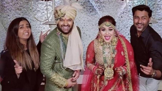 Newlywed Kapil Sharma Shows Babaji Ka Thullu To Wife Ginni -4752