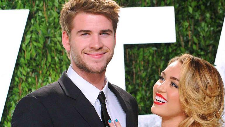 It looks like Miley Cyrus and Liam Hemsworth got married