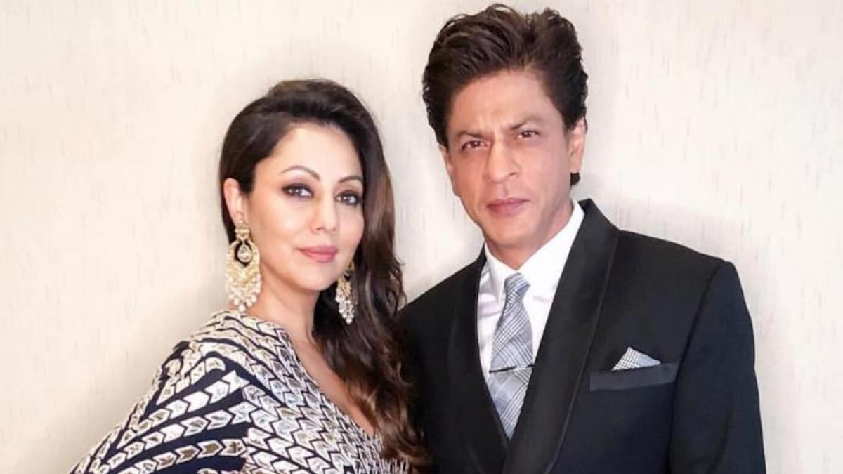 Shah Rukh Khan showering wife Gauri with love on Twitter is adorable beyond  words - Movies News