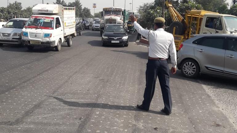 Agra police prepares photo challan method to identify
