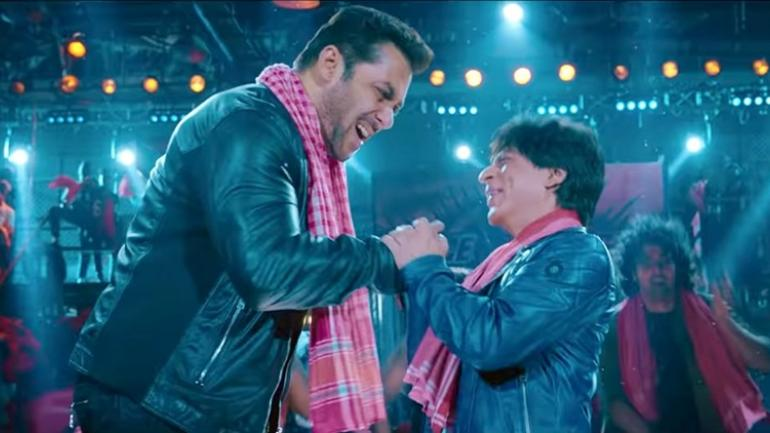 Zero Song Issaqbaazi Shah Rukh And Salman Set The Stage On Fire