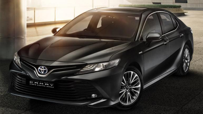 Toyota Launches New Camry Hybrid Electric Car In India Price Starts