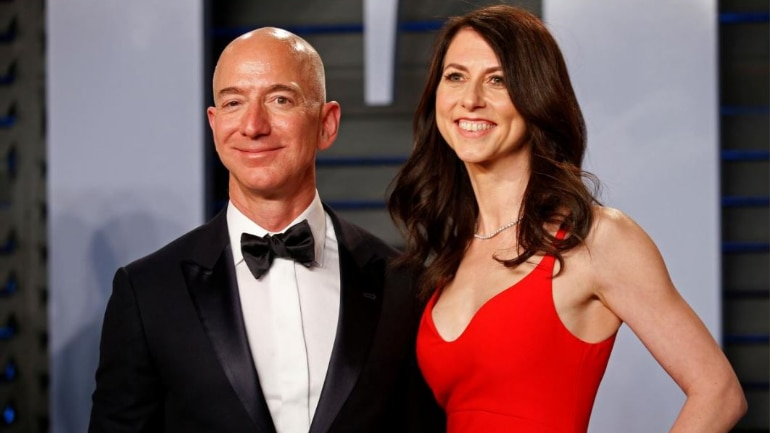 Amazon founder Jeff Bezos announces he's getting a divorce