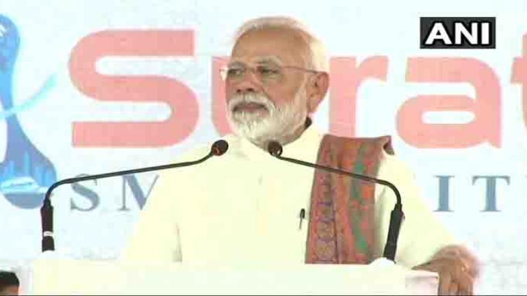 Famous singer accuses PM Modi of lying