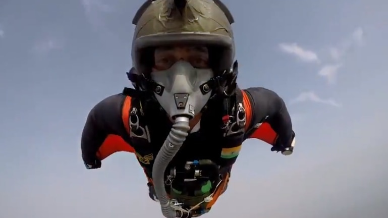 This video of IAF skydiver flying in the air will get your