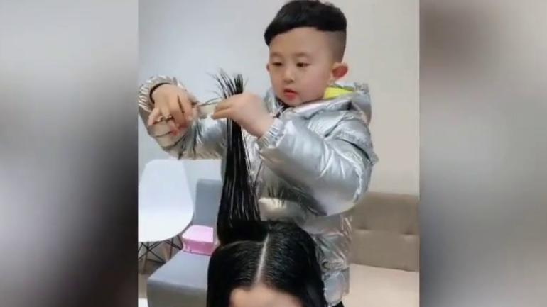 Six Year Old Kid From China Goes Viral For Giving Professional