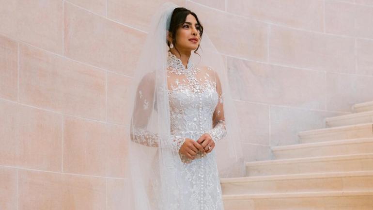 priyanka chopra wedding dress cost