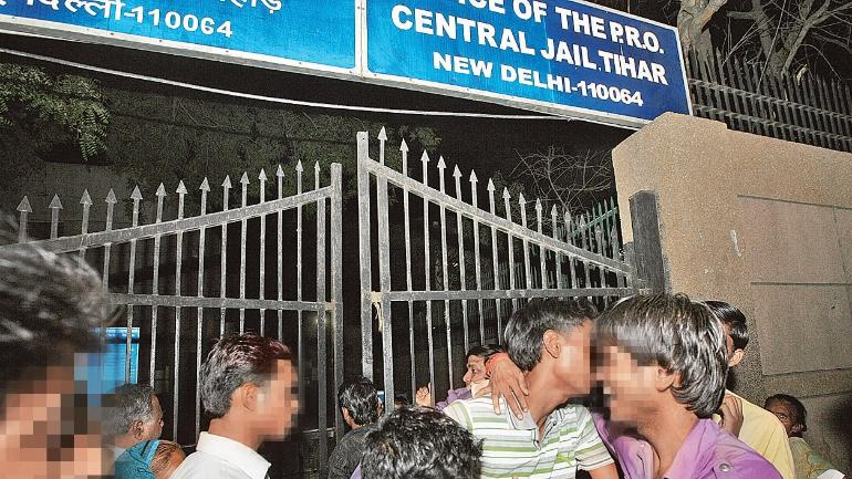 Criminals turn Tihar jail into den for a life of luxury - Mail Today