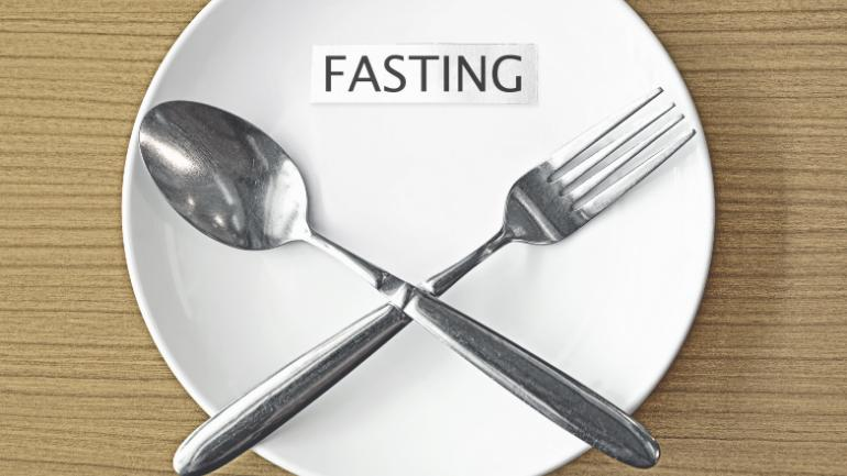 The quantity of metabolites in our body decreases with age but according to a recent study, fasting increases the metabolism in a human body and can reverse the aging process