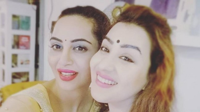 Arshi Khan follows in Shilpa Shinde's footsteps, joins politics